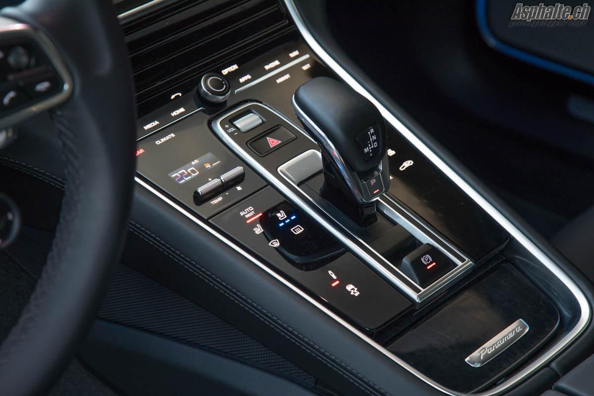 Porsche Panamera Sport Turismo console centrale
