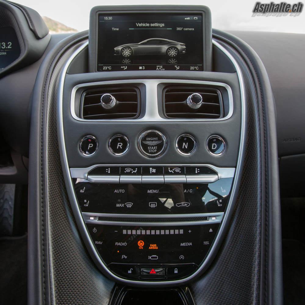 Essai Aston Martin DB11 V12 console centrale