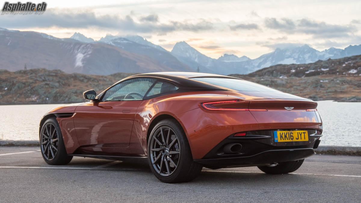 Essai Aston Martin DB11 V12 Grimselpass