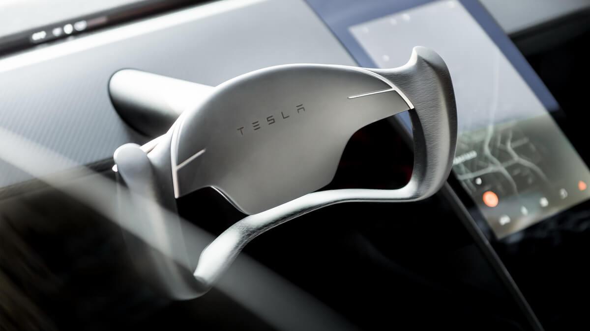 Tesla Roadster volant