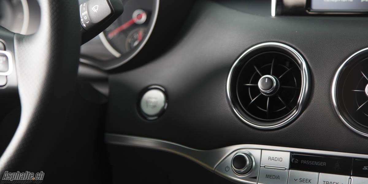 Essai Kia Stinger GT intérieur aérations