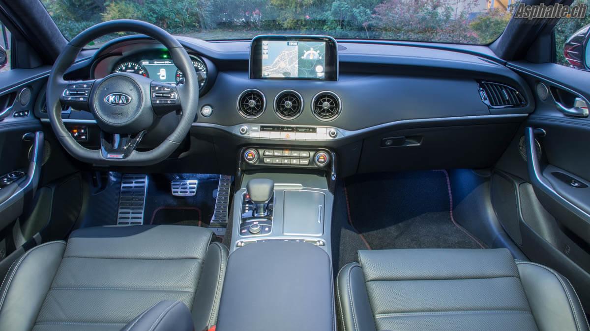 Essai Kia Stinger GT intérieur tableau de bord