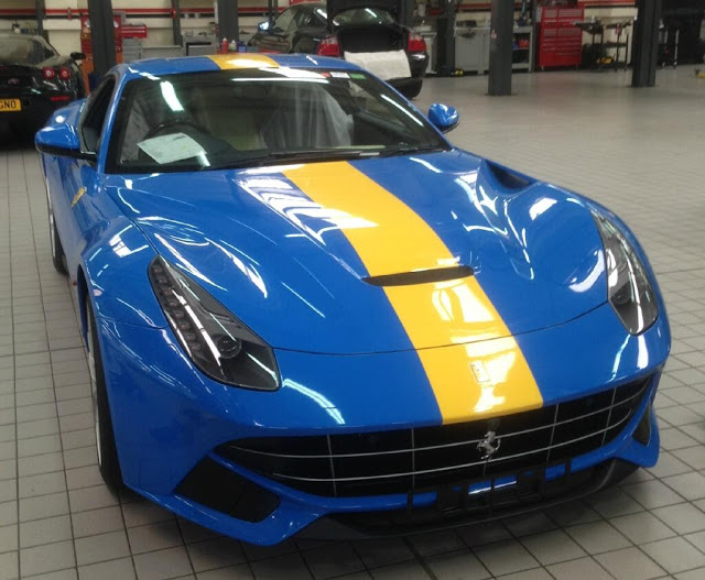 racing-blue-ferrari-.