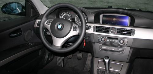 Essai BMW 325i E90 intérieur tableau de bord