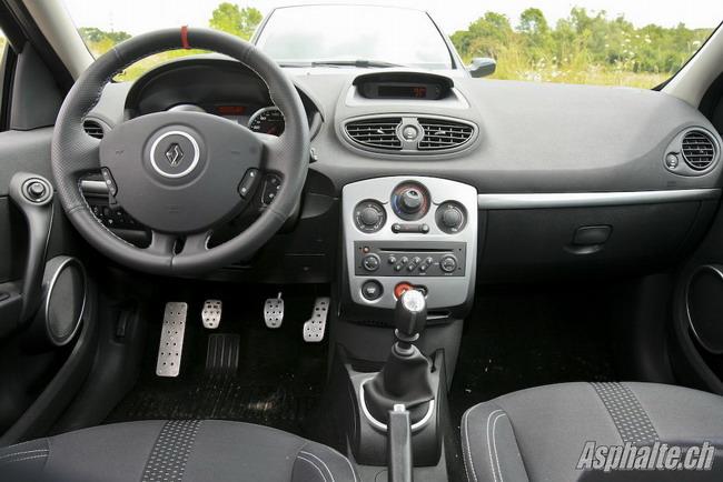 Essai Renault Clio 3 RS - intérieur