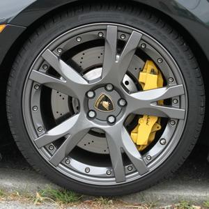 Essai Lamborghini Gallardo V10 5.0 2005 jante freins