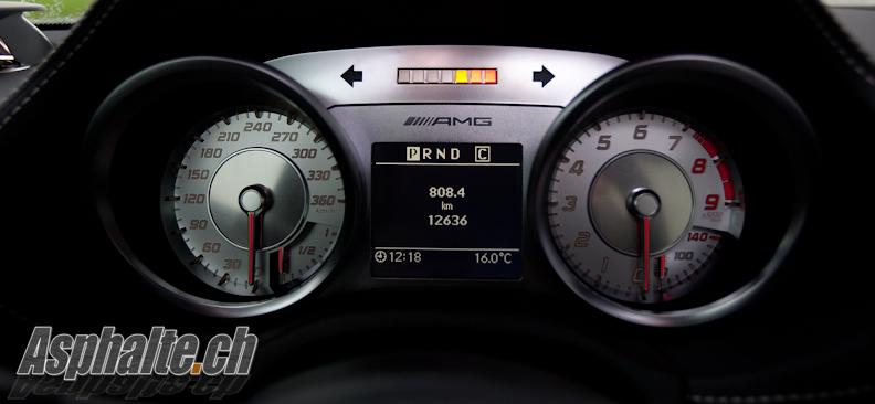 Essai Mercedes SLS AMG compteurs