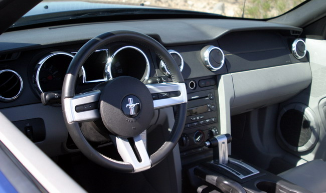 Essai Ford Mustang V6 Cabriolet intérieur