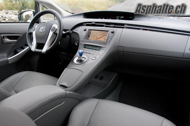 Essai Toyota Prius 3 hybride intérieur