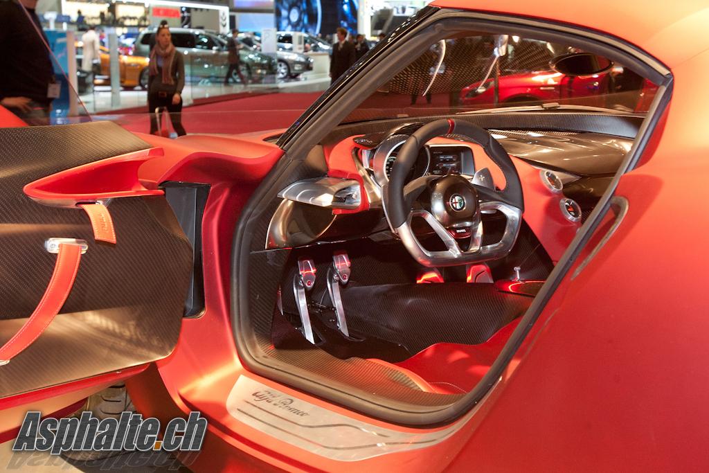Genève 2011 : Alfa Romeo 4C intérieur – Asphalte.ch