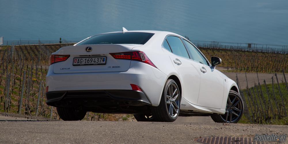 Essai Lexus IS300h