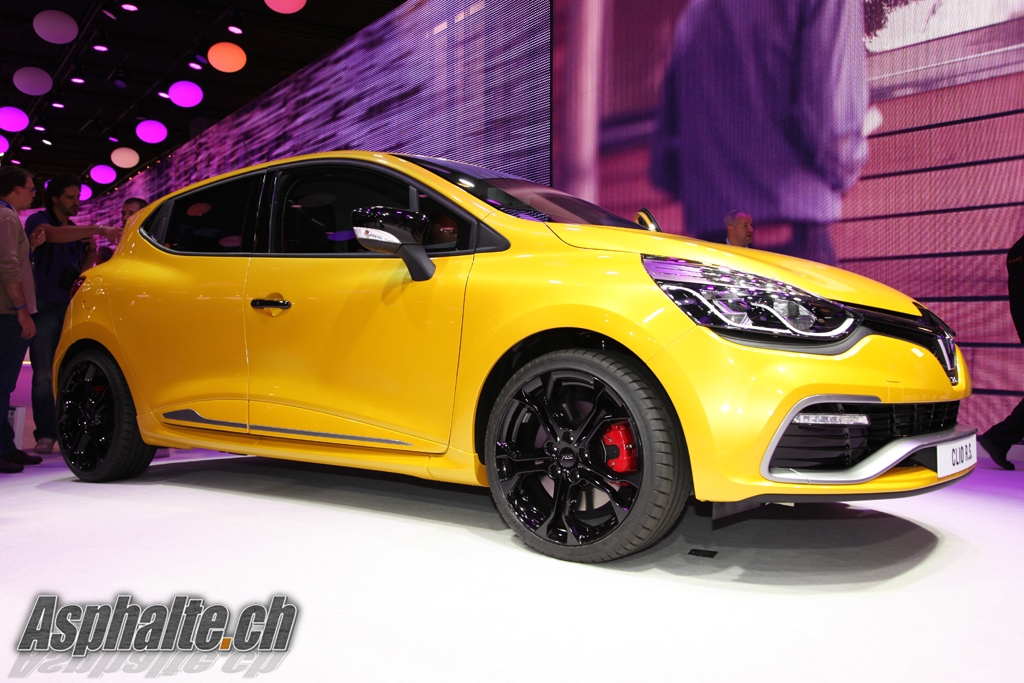 Paris: Renault Clio RS 4