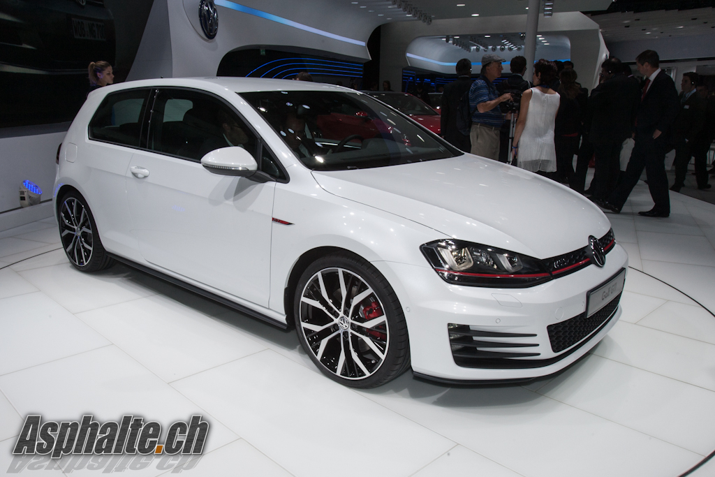 VW Golf VII GTI Paris 2012