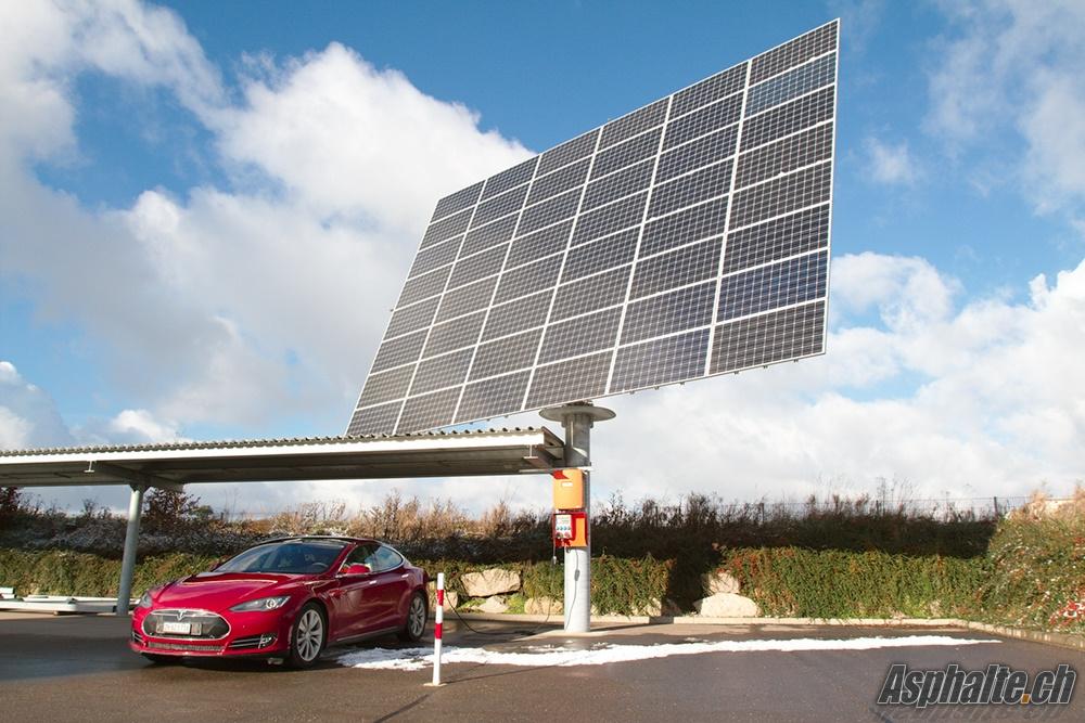 Tesla Model S panneaux solaires