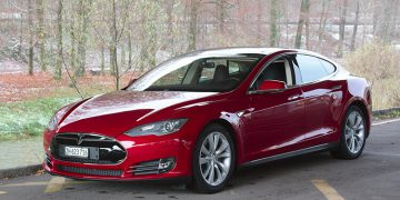 Au volant Tesla Model S Good Karma