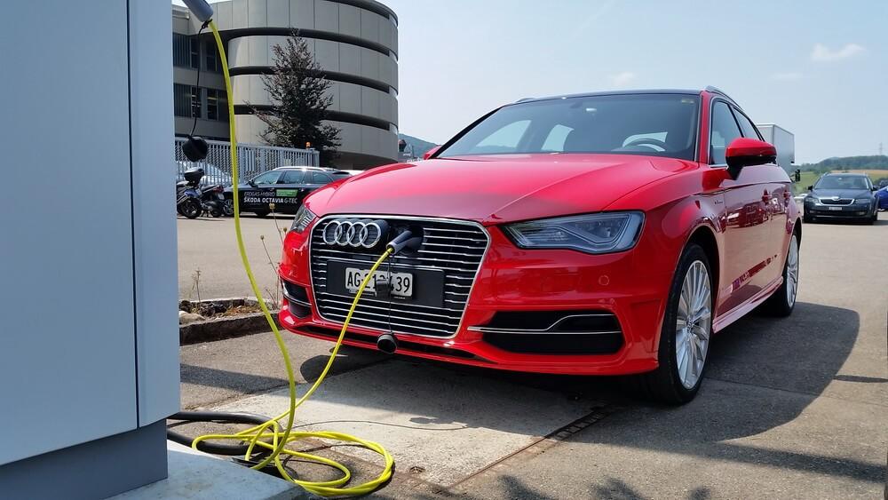 Audi A3 e-tron station evite