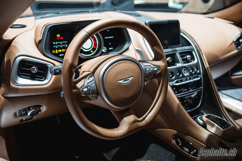 Aston Martin DB11 intérieur