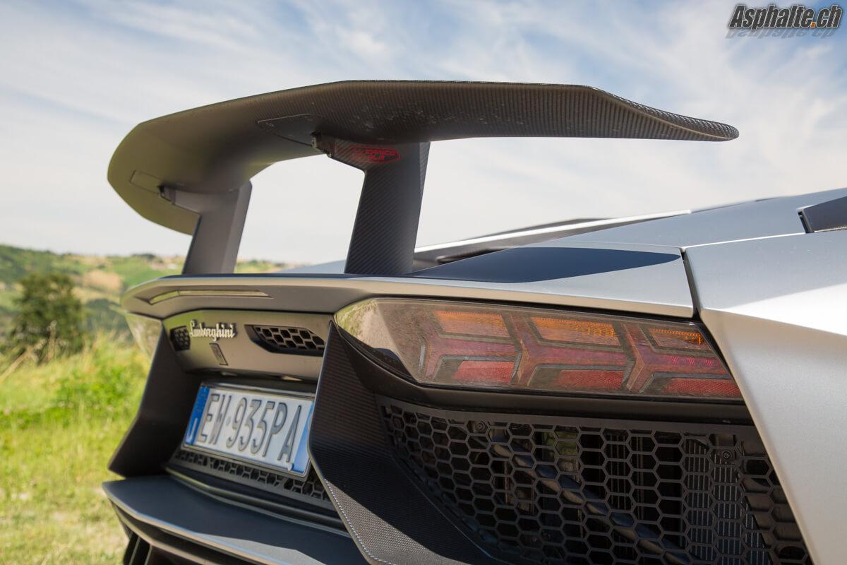 Essai Lamborghini Aventador SV aileron