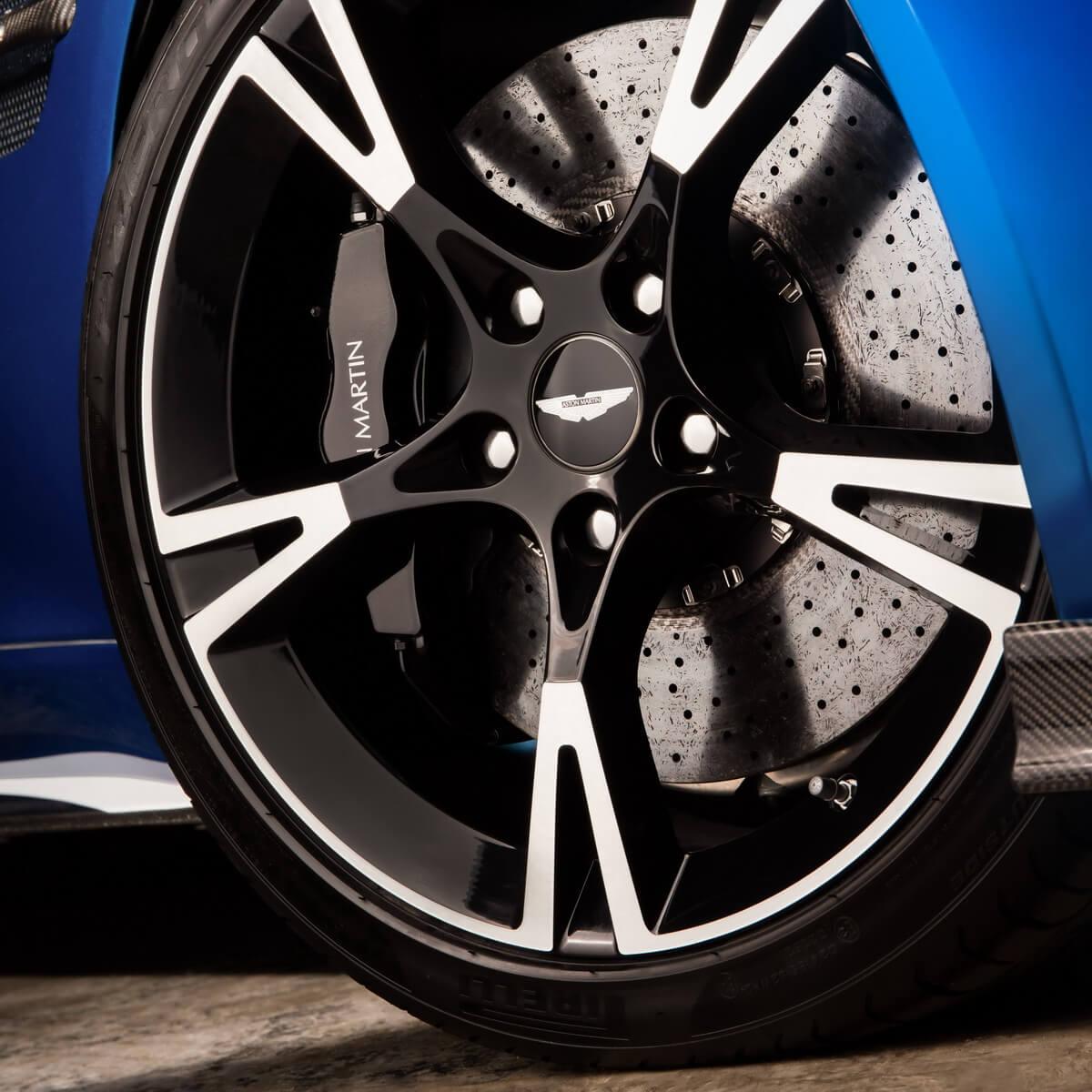 2016 Aston Martin Vanquish Camshaft: Aston Martin Vanquish S