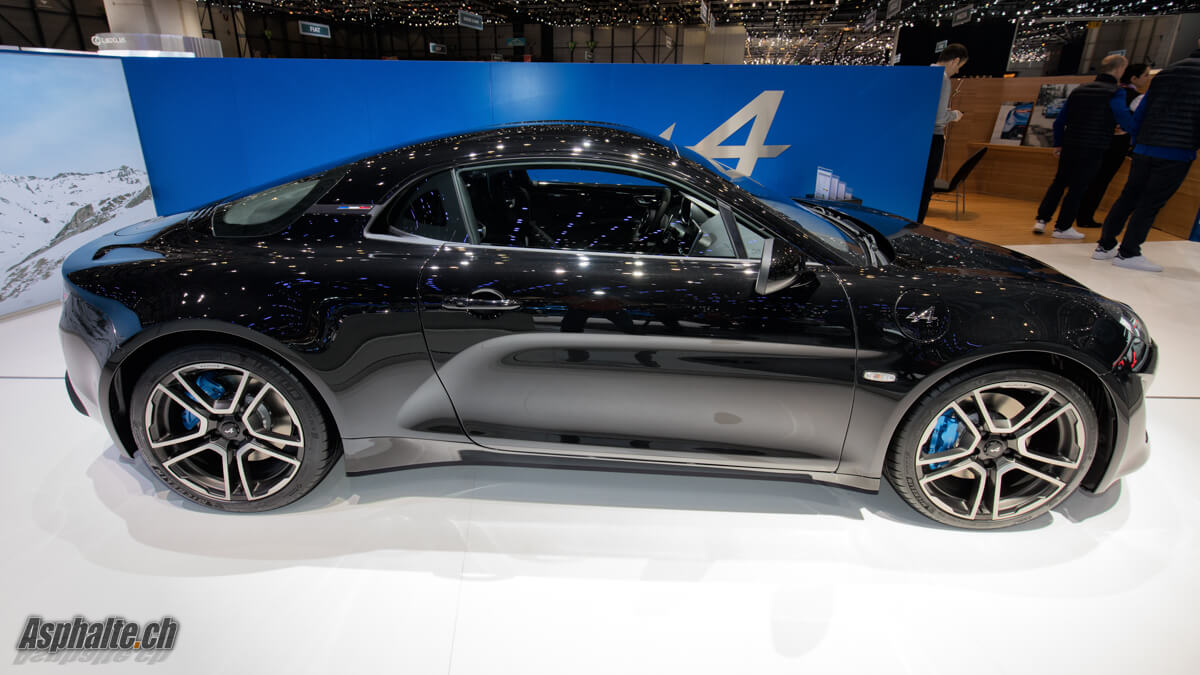 further 3840x2160 in addition 5zqZC2 additionally Mercedes Maybach Vision 6 Cabriolet likewise Mercedes Amg E 43 4matic Break. on aston martin asphalt