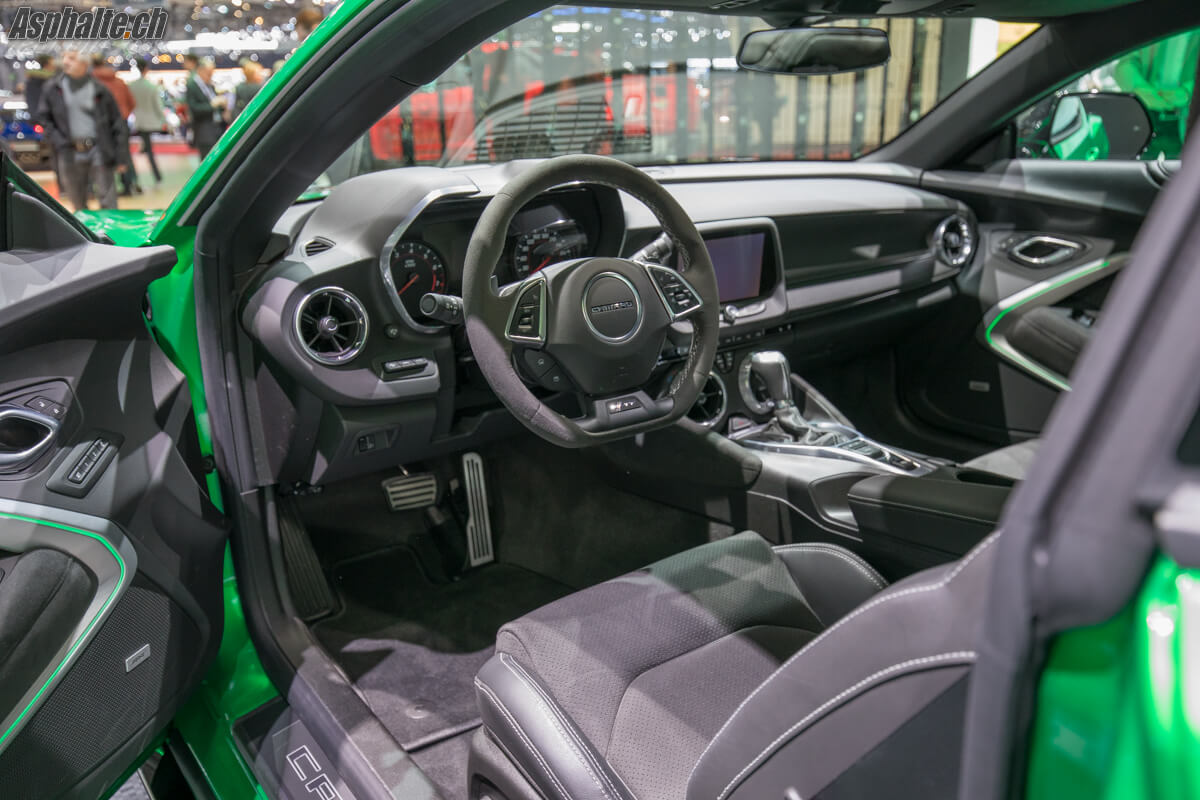 Chevrolet Camaro Track Concept Genève 2017 intérieur