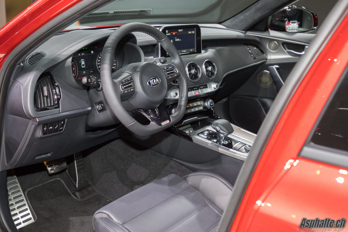 Kia Stinger GT intérieur Genève 2017