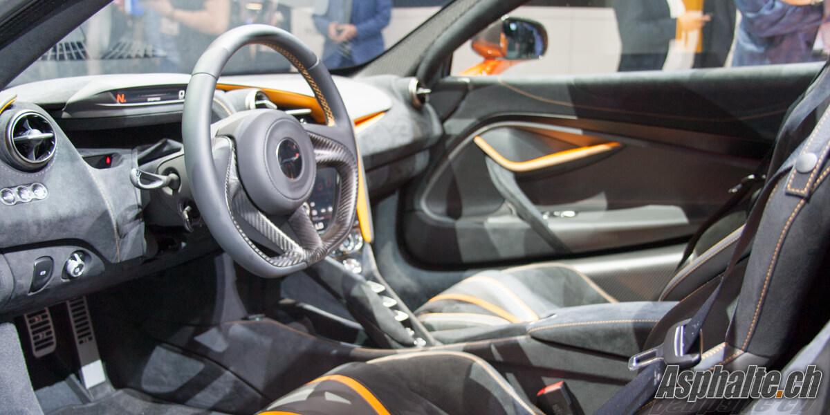 McLaren 720S Super Series 2017 intérieur
