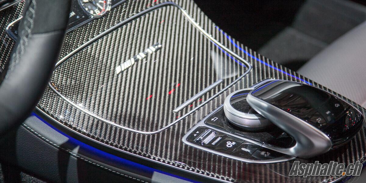 Mercedes E63 AMG console centrale carbone