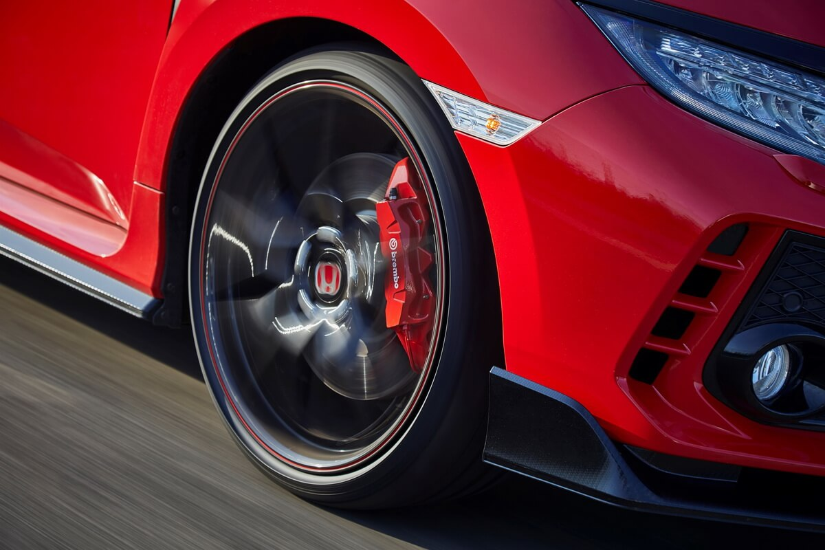 Honda Civic Type R 2017 étriers freins brembo
