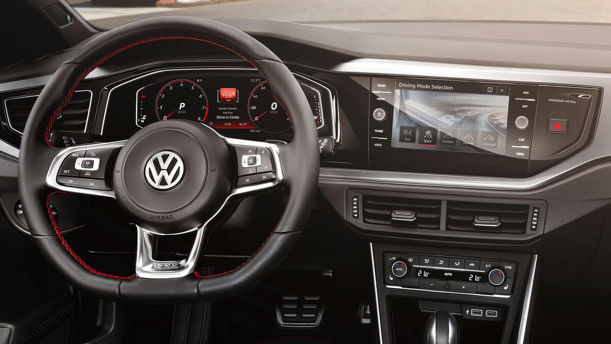 Volkswagen Polo GTI mk6 intérieur Active Info Display