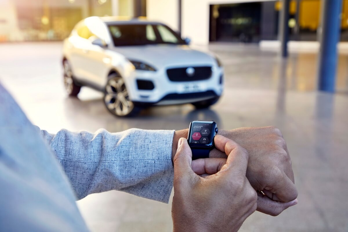 Jaguar E-Pace interface Apple Watch