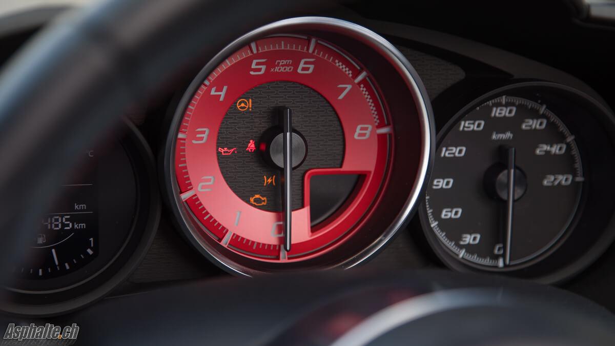 Essai Fiat Abarth 124 Spider compteur compte-tours