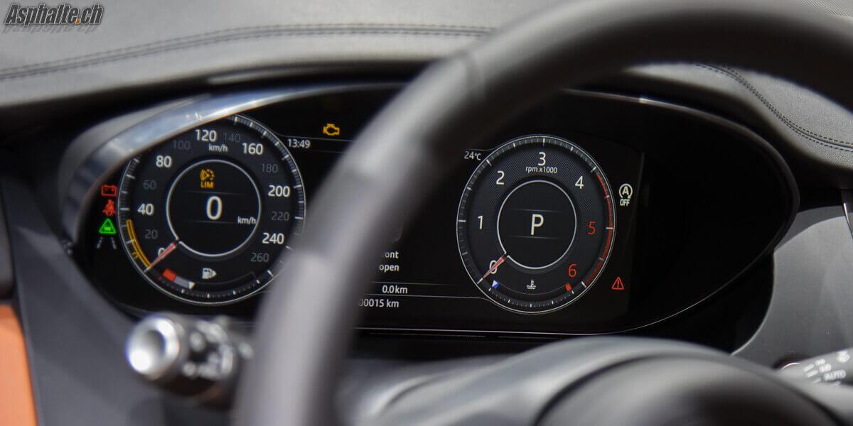 Jaguar E-Pace compteurs