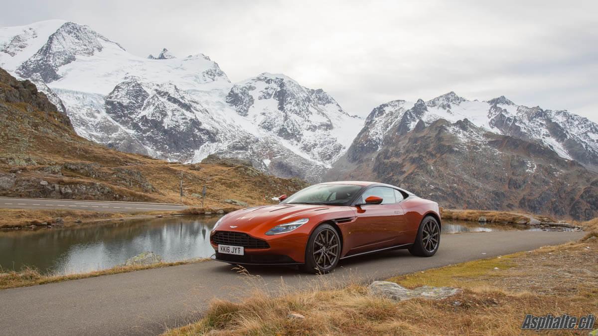 Essai Aston Martin DB11 V12 Susten Pass