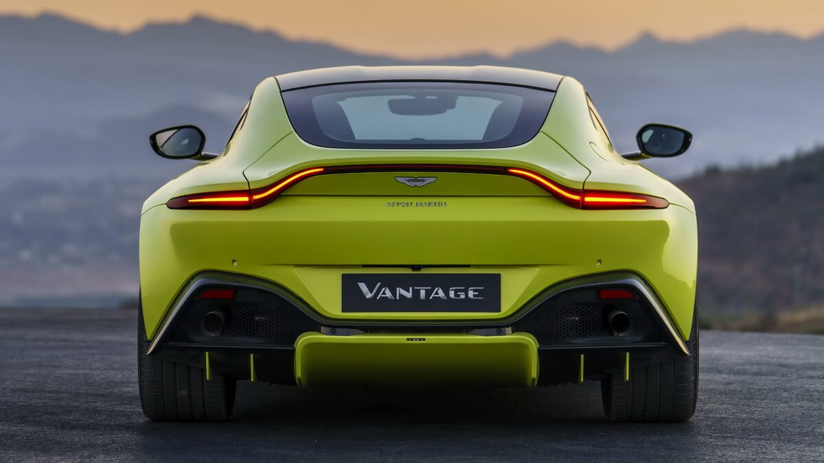 Aston Martin Vantage 2018 Lime Essence