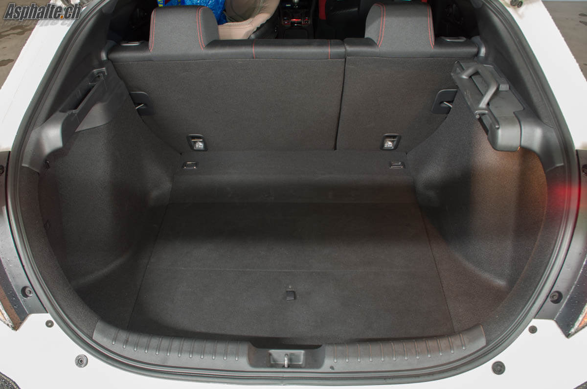 Essai Honda Civic Type R FK8 coffre