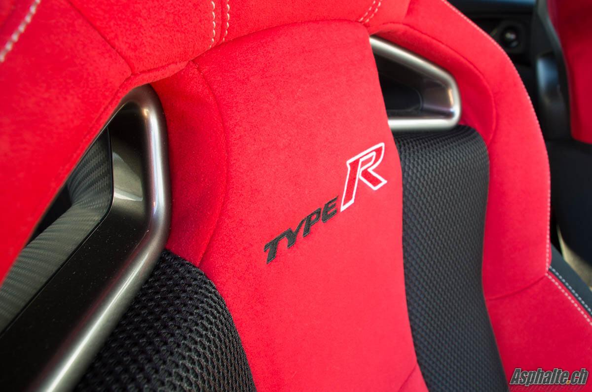Essai Honda Civic Type R siège harnais