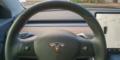 Tesla Model 3 volant