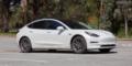Tesla Model 3 blanc nacré
