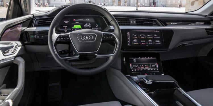 Audi e-tron intérieur tableau de bord