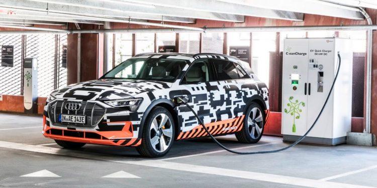 Audi e-tron prototype station de charge