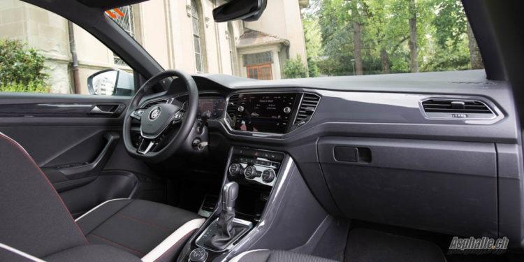 Essai VW T-Roc Sport 4Motion intérieur