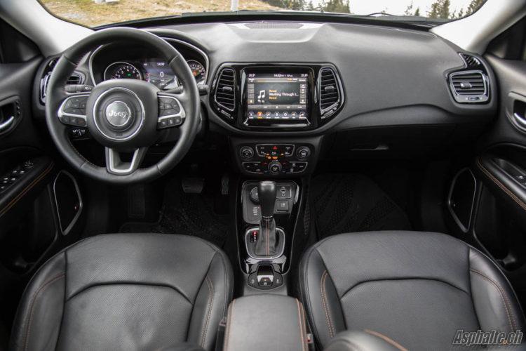 Essai Jeep Compass Limited 1.4 MultiAir intérieur