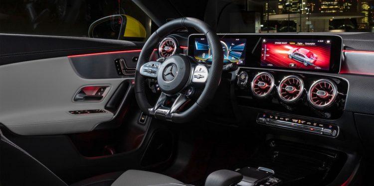 Mercedes AMG CLA 35 4Matic intérieur