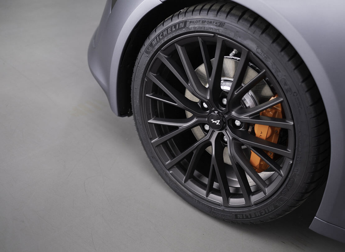 2016 - [Toyota] C-HR - Page 9 Alpine-A110S-11