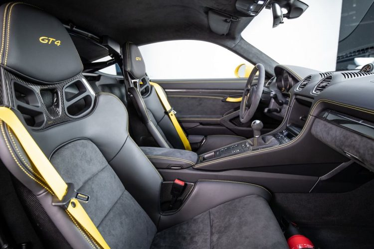 Porsche 718 Cayman GT4 interior bucket seats